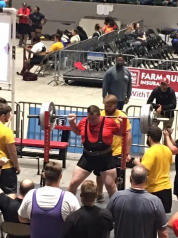 Gunner Till lifting while he was  at the meet (photo credit Kimberly Till).