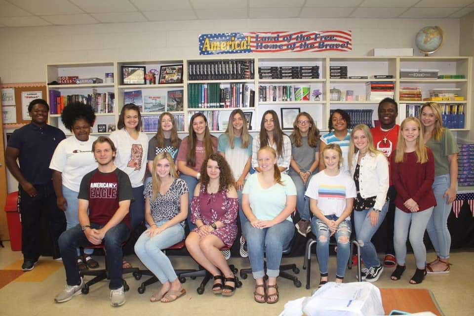 Back row pictured from left to right: Justin Beemon, Telaiah Lewis, Anna Grace Carter, Caitlyn White, Chloe Walters, McKinley Goodin, Holly White, Marie Valentine, Elsi Munoz-Ramos, Greg Beemon, and Camden Patton.   Front row pictured from left to right: Holden Gray, Regan Sanders, Abigail Dawson, Sydni Goldman, Adyln Till, Katie Bell Boyer, and Ella Tucker.