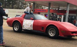Ali'yah Butler, Preteen Miss Historic Brandon 2019, participated in the Pelahatchie Parade on Saturday, December 7.